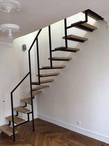Escalier quart tournant / marche en bois / structure en acier / sans contremarche