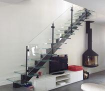 Escalier droit / marche en verre / structure en acier / sans contremarche