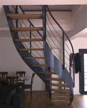 Escalier droit / circulaire / marche en bois / structure en acier