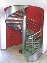 Escalier en colimaçon / hélicoïdal / circulaire / marche en acier inox