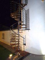 Escalier en colimaçon / hélicoïdal / circulaire / marche en bois