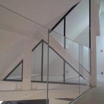 Cloison fixe / en acier / vitrée / résidentielle