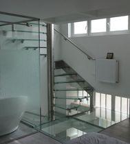 Escalier en colimaçon carré / hélicoïdal / marche en verre / structure en acier inoxydable