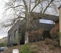 Maison duplex / préfabriquée / contemporaine / en bois massif