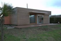 Maison individuelle / à ossature bois / contemporaine / à 2 étages