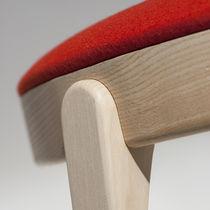 Chaise design scandinave / en bois / tapissée