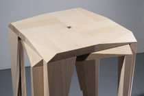 Tabouret de bar contemporain / en bois de feuillus / empilable