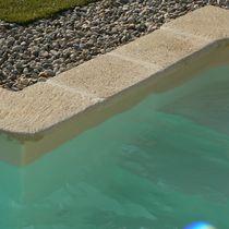 Margelle de piscine en pierre reconstituée