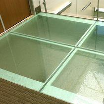 Panneau en verre uni / pour bâtiment / pour plancher / translucide