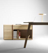 Armoire de classement basse / en bois / en cuir / contemporaine