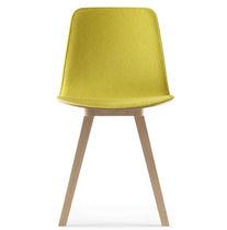Chaise contemporaine / en chêne / en cuir / en laine