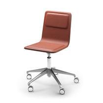 Chaise de bureau contemporaine / avec accoudoirs / tapissée / à roulettes
