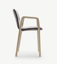 Chaise contemporaine / avec accoudoirs / tapissée / empilable