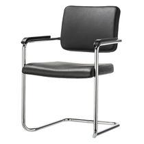 Chaise visiteur contemporaine / empilable / tapissée / avec accoudoirs