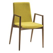 Chaise visiteur contemporaine / en bois / en tissu / avec accoudoirs