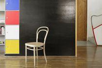 Chaise classique / en tissu / en bois courbé / en cuir