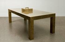 Table contemporaine / en bois / rectangulaire / en matériau de récupération