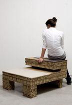 Tabouret contemporain / en carton