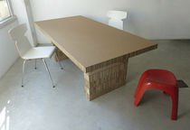 Table contemporaine / en carton / rectangulaire