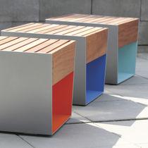 Tabouret contemporain / en bois / en acier galvanisé / pour espace public