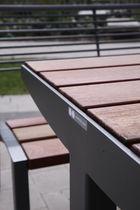 Table de pique-nique contemporaine / en bois / en acier galvanisé / rectangulaire