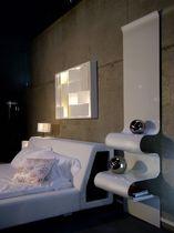 Table de chevet contemporaine / en aluminium / pour hôtel