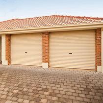 Portes de garage enroulables / en acier / automatiques