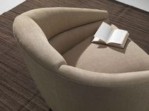 Fauteuil contemporain / en textile / pivotant / beige