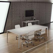 Table de réunion / contemporaine / en bois / en fonte d'aluminium