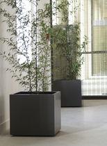 Jardinière en fibro-ciment / carrée / contemporaine / pour espace public