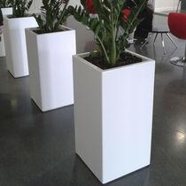 Jardinière en composite / rectangulaire / sur mesure / à roulettes