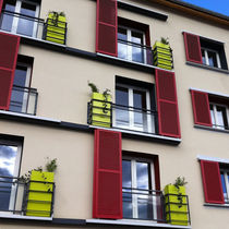 Jardinière en pierre / carrée / contemporaine / pour espace public