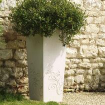 Jardinière en béton / carrée / contemporaine / pour espace public
