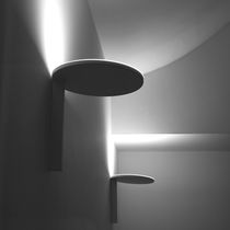 Applique murale contemporaine / en fonte d'aluminium / en méthacrylate / à LED