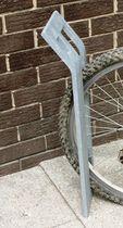 Range-vélo en tôle d'acier / en acier galvanisé / pour espace public