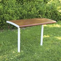 Table design scandinave / en bois / rectangulaire / d'extérieur