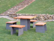 Ensemble table et chaises contemporain / en bois / en acier / pour extérieur