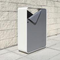 Poubelle publique / en métal / design original