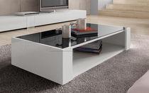 Table basse contemporaine / en bois laqué / en verre / rectangulaire
