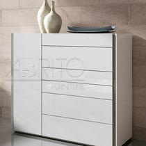 Chiffonnier contemporain / en bois laqué / blanc