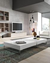 Table basse contemporaine / en bois laqué / carrée / blanche