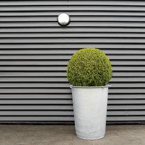 Jardinière en acier galvanisé / en polyéthylène / ronde / contemporaine