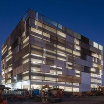 Brise-soleil en aluminium / pour façade / orientable / vertical