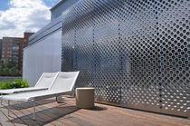 Brise-soleil en inox / pour façade / perforé / coulissant