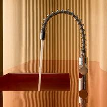 Mitigeur en métal chromé / de cuisine / 1 trou / à eau chaude