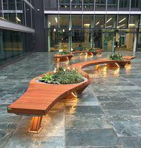 Banc public / design original / en bois / en métal