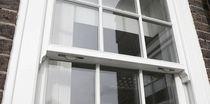 Fenêtre à guillotine / en bois
