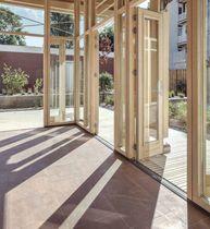 Baie vitrée coulissante-empilable / en bois / à double vitrage