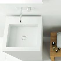 Vasque sur pied / carrée / en Corian® / contemporaine