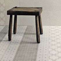 Carrelage d'intérieur / de sol / en grès cérame / à motif géométrique
